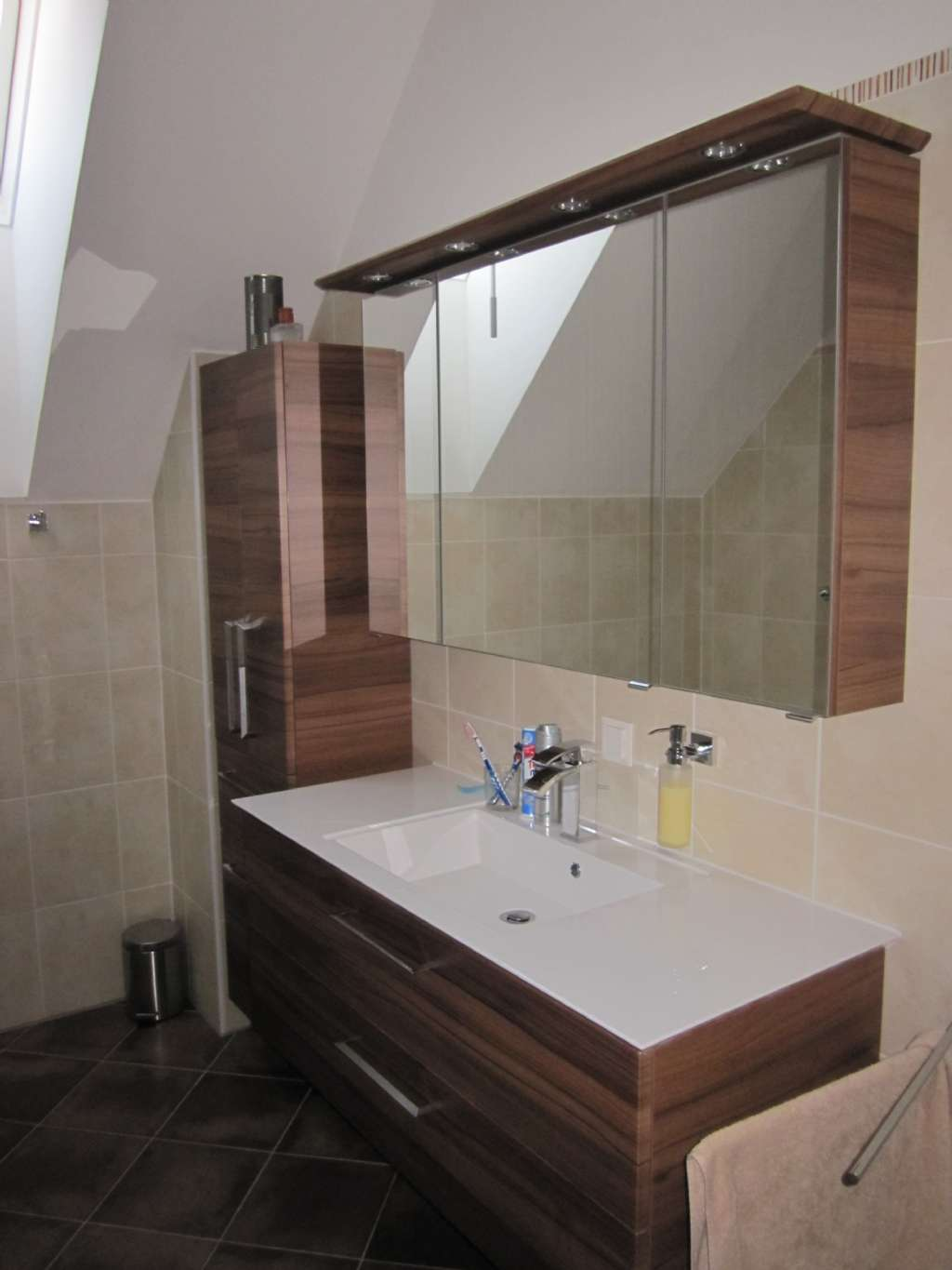 badezimmer welche fliesenfarben forum auf. Black Bedroom Furniture Sets. Home Design Ideas