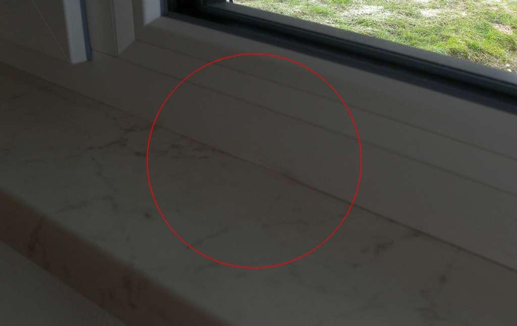 fenster durch fensterbank eingedr ckt fensterforum auf. Black Bedroom Furniture Sets. Home Design Ideas