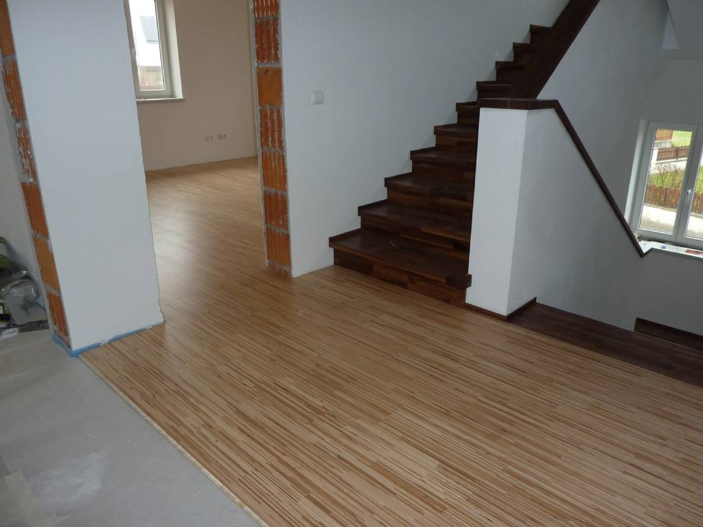 parkett und betontreppe mit holzstufen bauforum auf. Black Bedroom Furniture Sets. Home Design Ideas