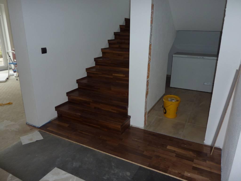 parkett und betontreppe mit holzstufen | bauforum auf energiesparhaus.at