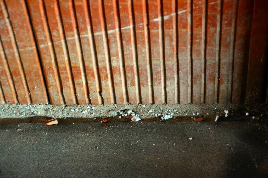Extrem Mauerwerk Ausblühungen-Salpeter? | Bauforum auf energiesparhaus.at WC68