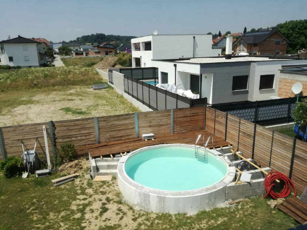 Pool verputzen gartenforum auf for Poolumrandung rundpool