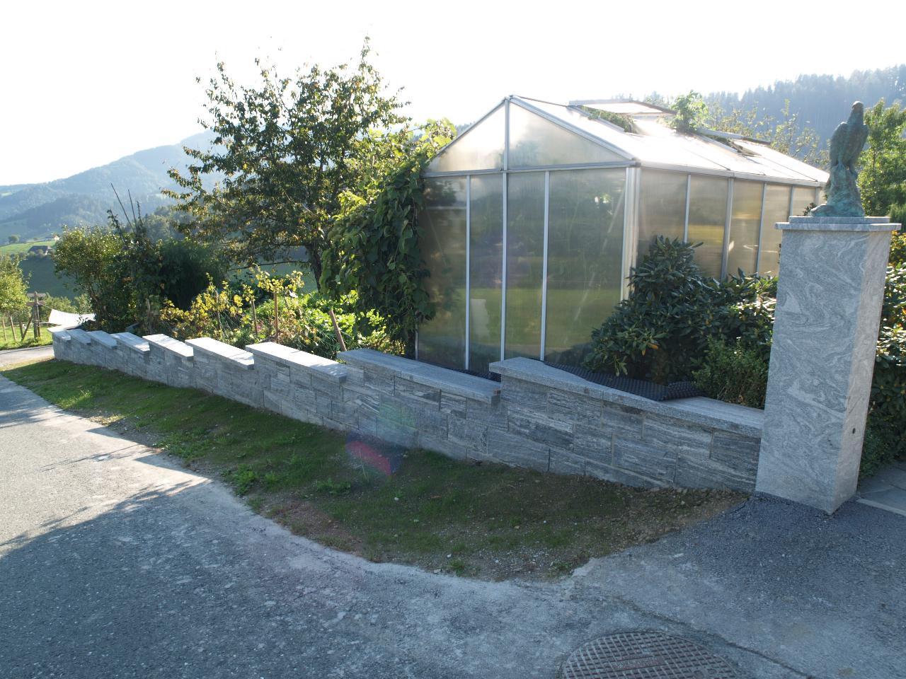 kleine granitsteinmauer fundament bauforum auf. Black Bedroom Furniture Sets. Home Design Ideas